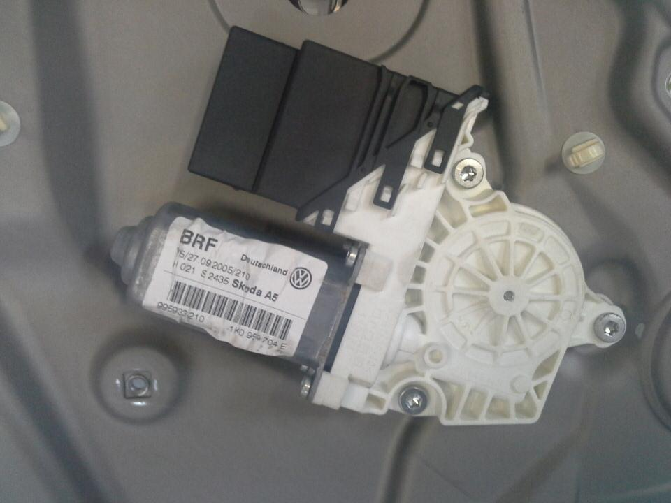 2005-SKODA-OCTAVIA-5-Door-Estate-WINDOW-REGULATOR-REAR-DRIVER